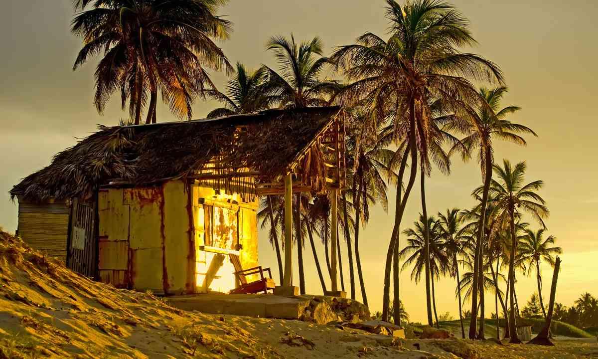 Beach shack, Cuba (Shutterstock.com)