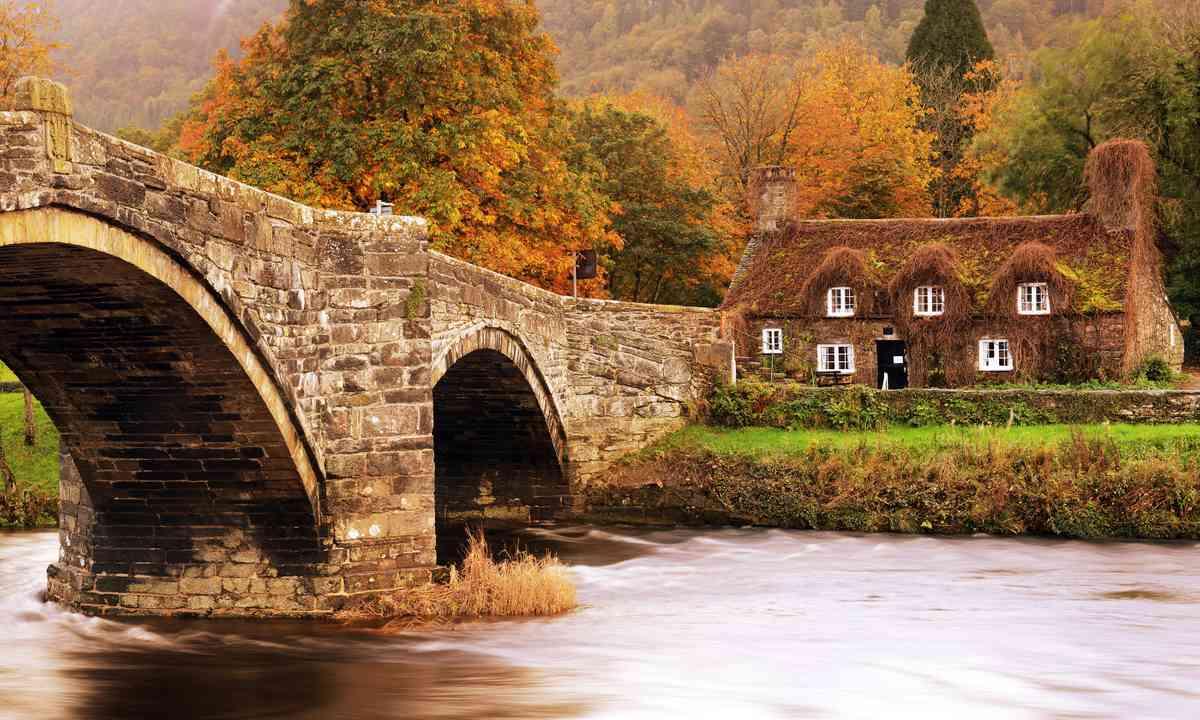 Autumn in Snowdonia (Shutterstock.com)