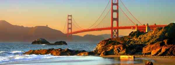 The Golden Gate Bridge viewed from Baker Beach (Dreamstime)