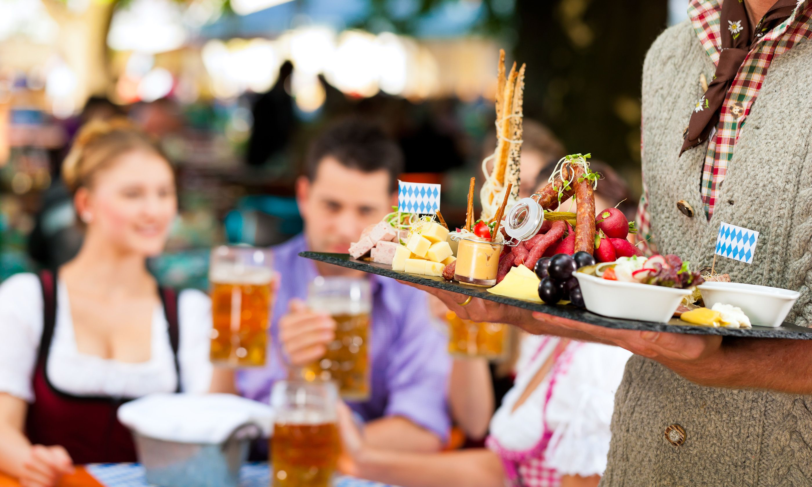 Bavarian beer garden (Shutterstock.com)