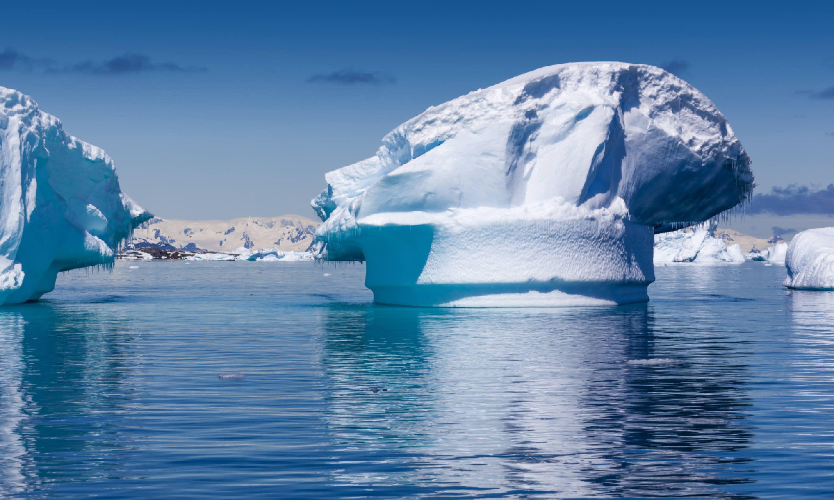 Antarctica icebergs (Shutterstock)