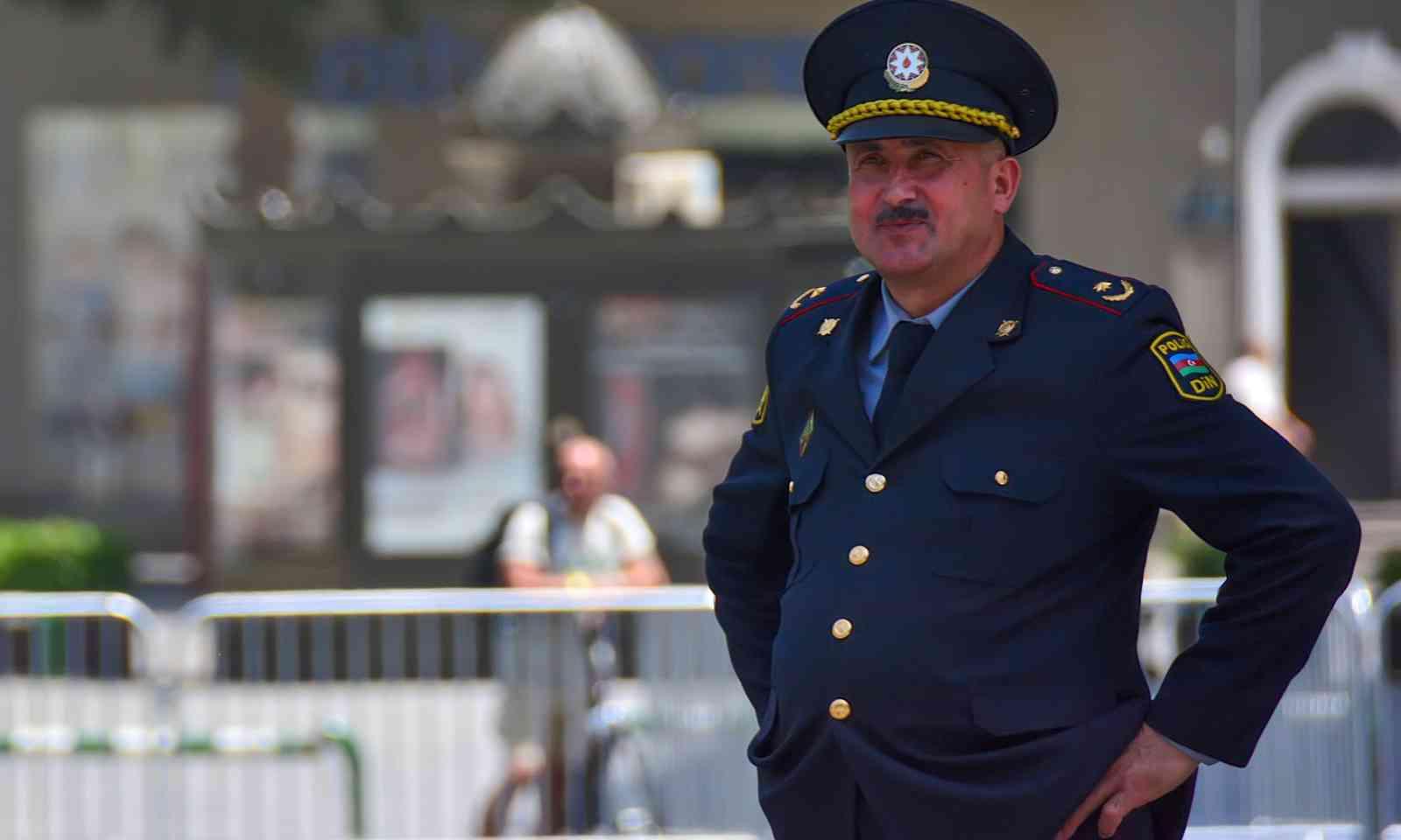 A cheerful policeman in Azerbaijan (Dreamstime)