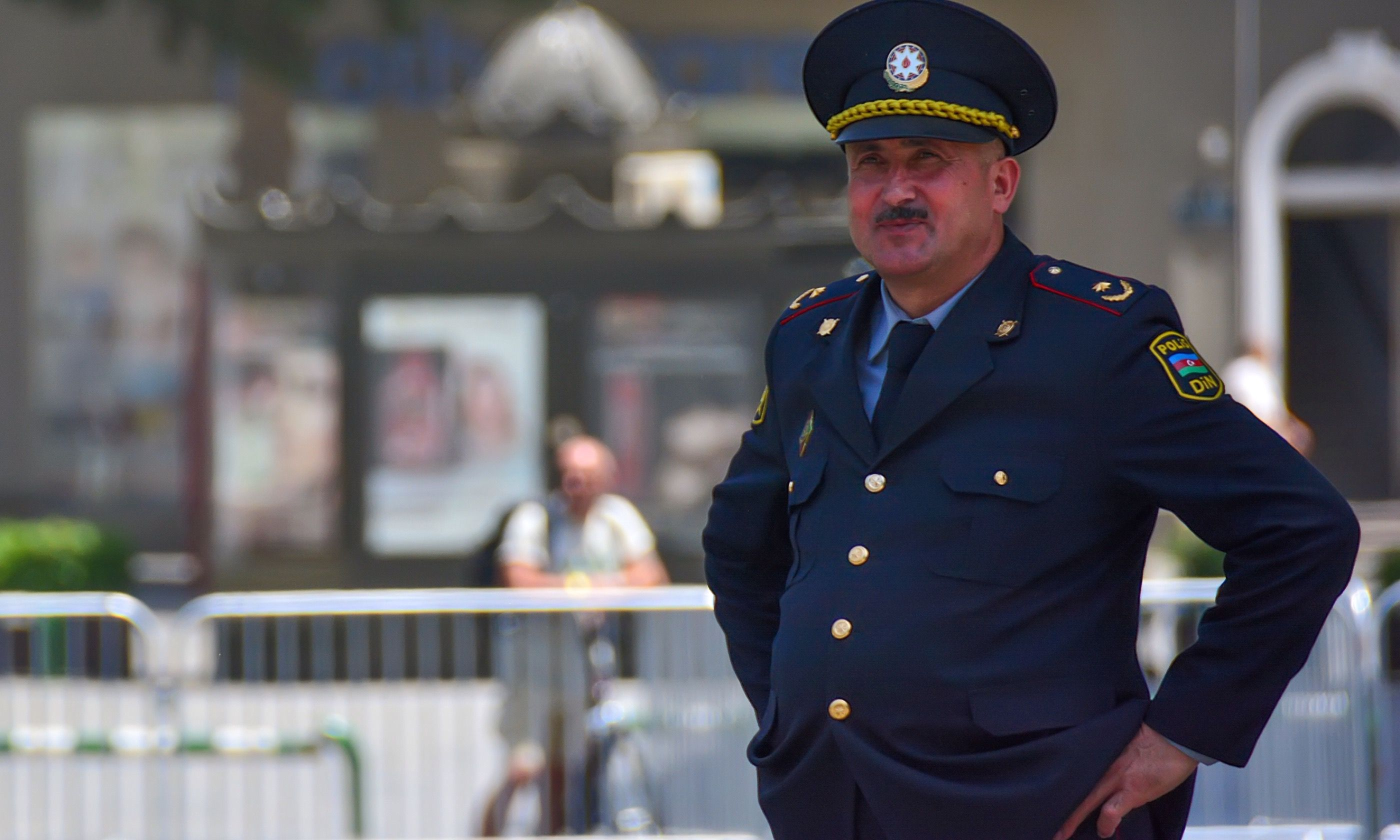 A cheerful policeman in Azerbaijan (Dreamstime)