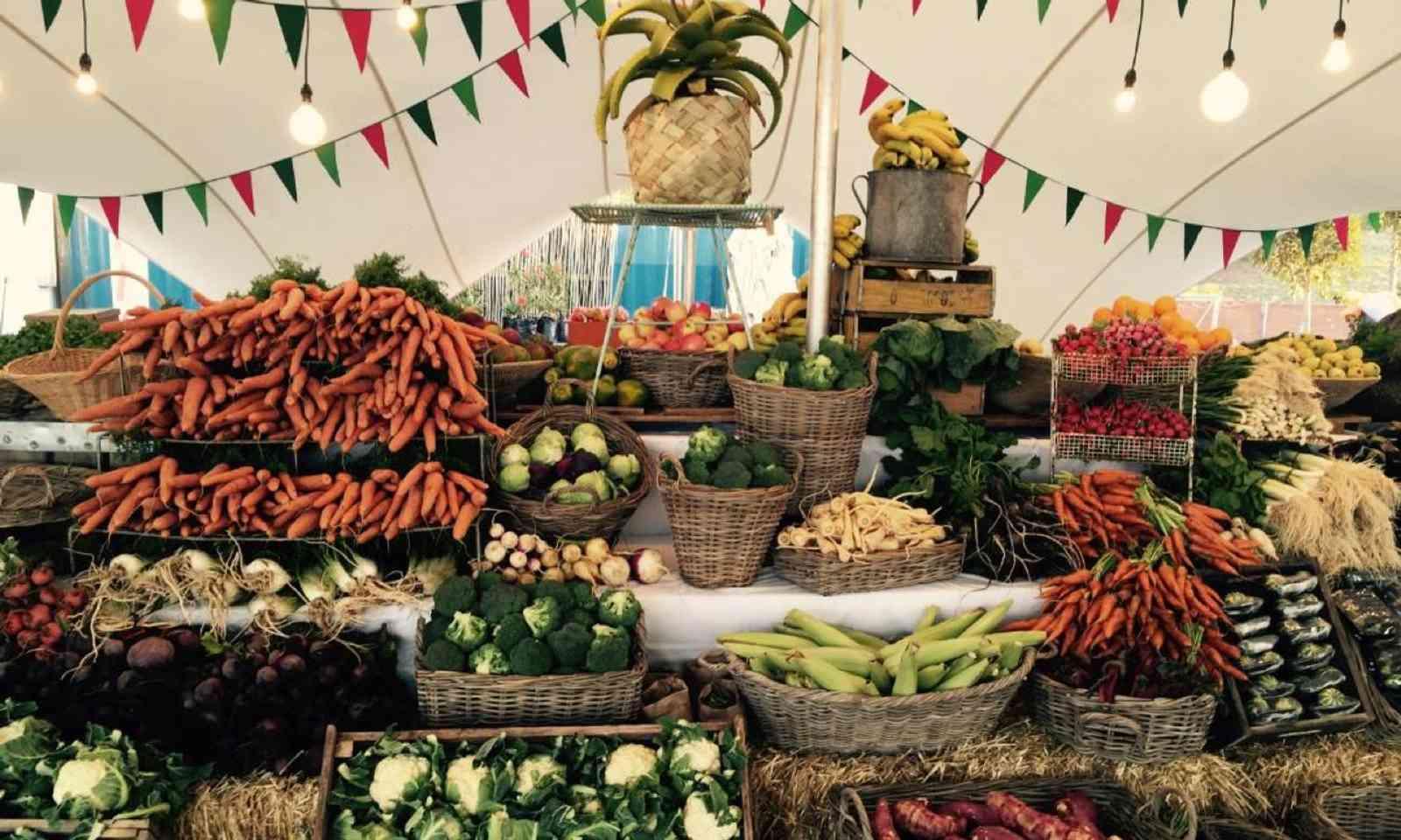 Vegetable display at Oranjezicht Market (Oranjezicht Market)