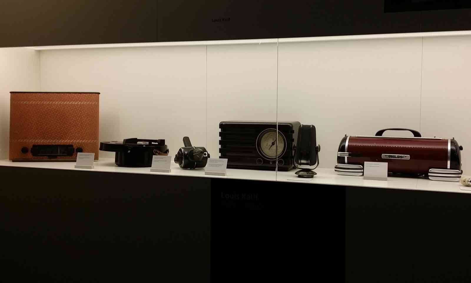 Old electrical appliances in the Electronic Museum, Budapest (Dreamstime)