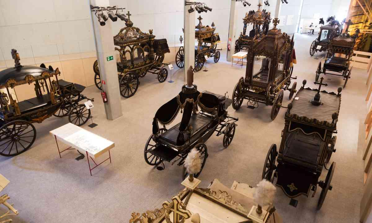 Inside Museu de Carrosses Fúnebres de Barcelona (Dreamstime)