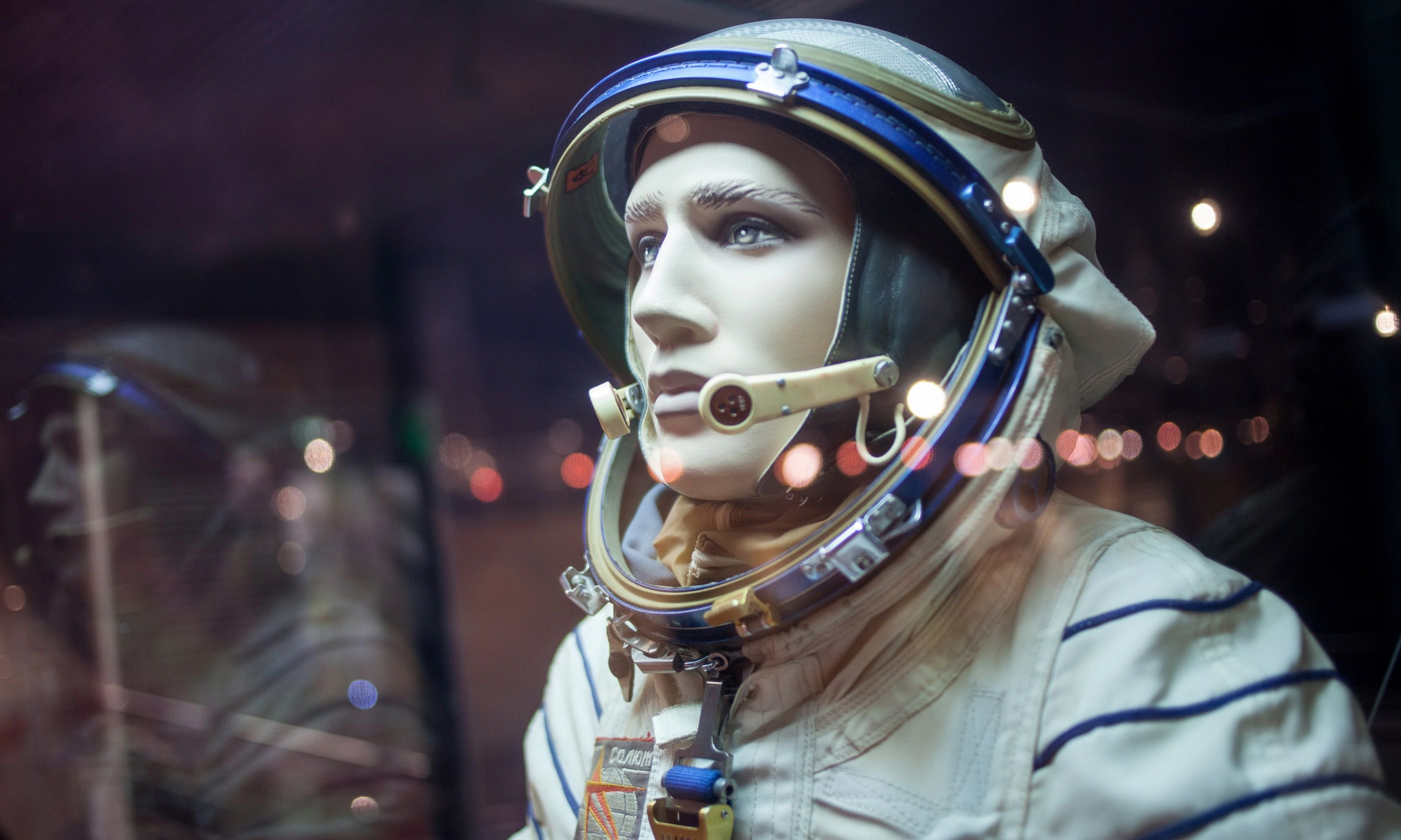 Model of Cosmonaut in Kosmo Museum in Moscow (Dreamstime)