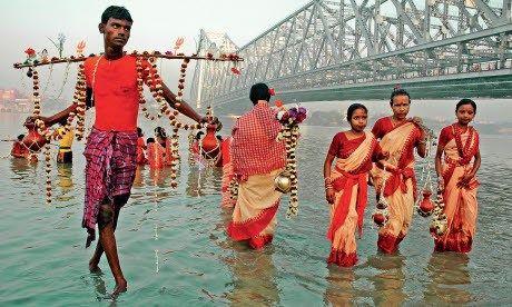Fish boy, Kolkata (Dreamstime)