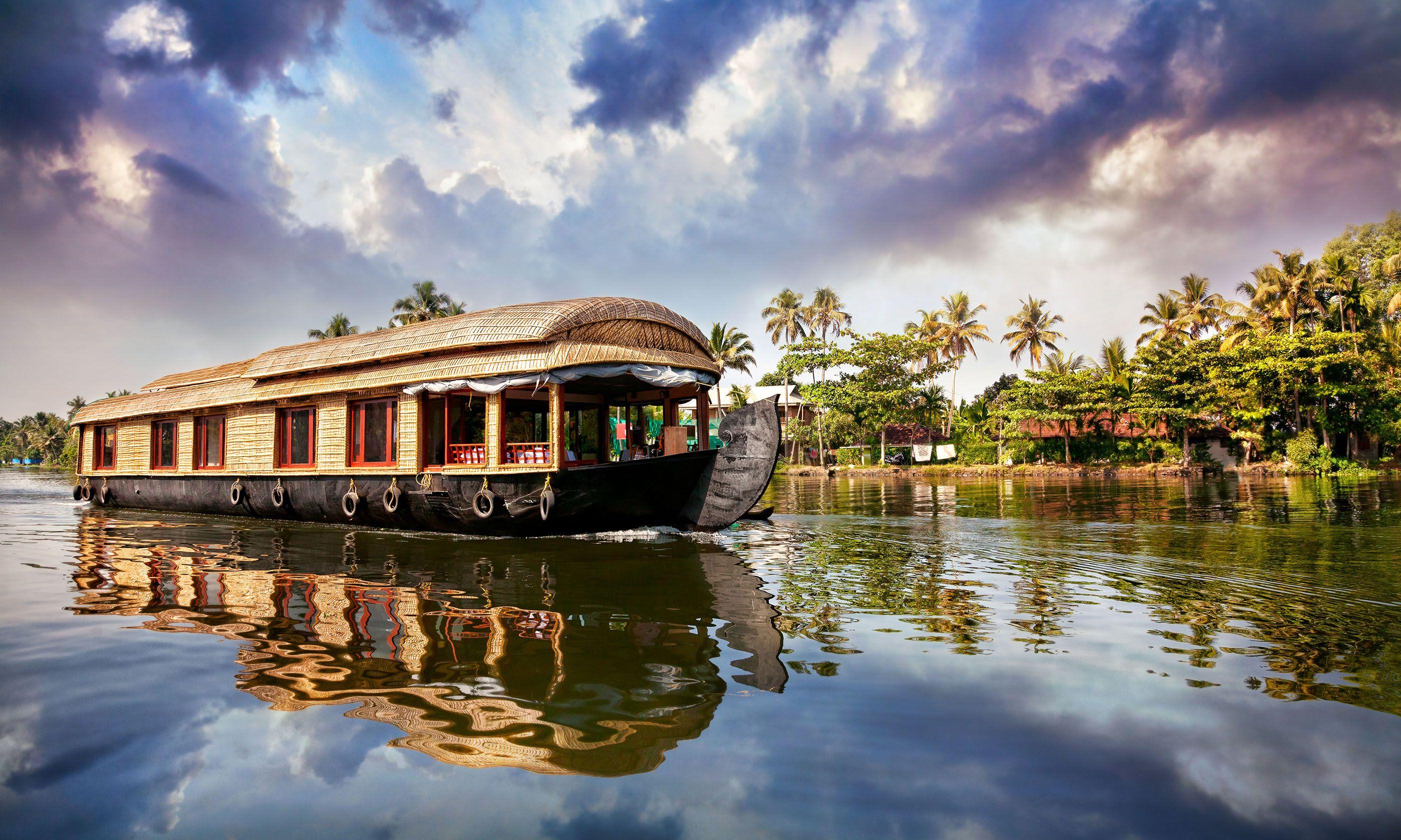 House boat in Kerala (Shutterstock.com)