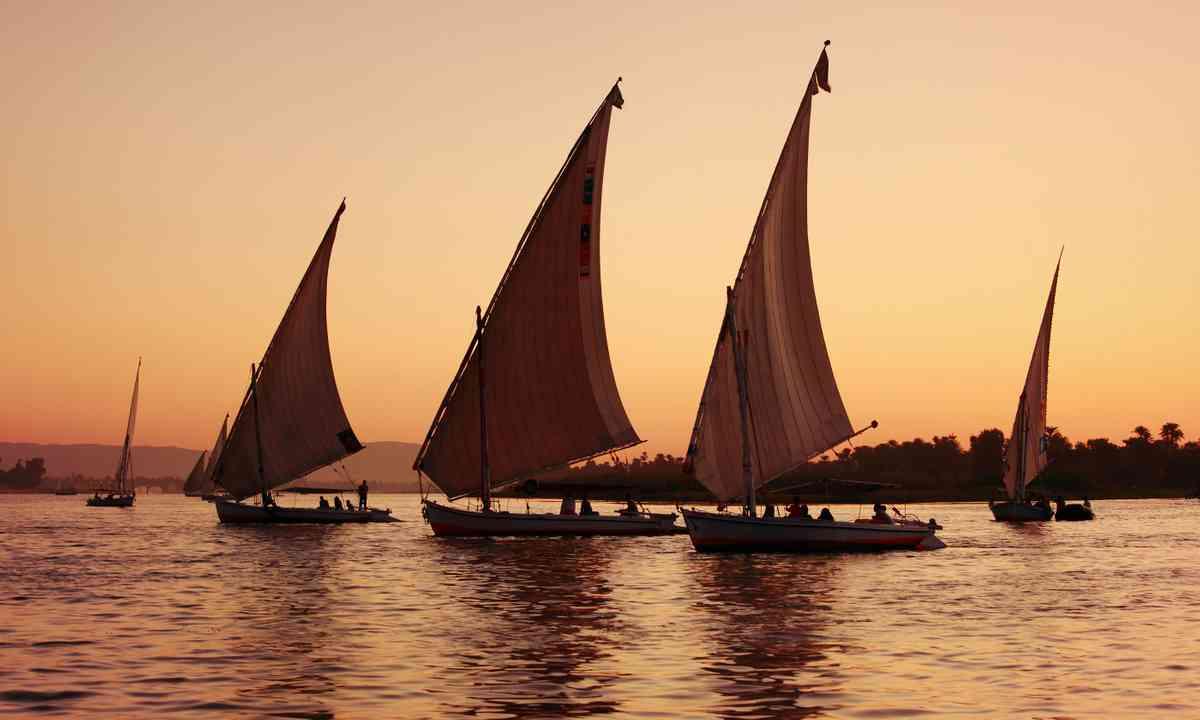 Feluccas at sunset (Shutterstock.com)