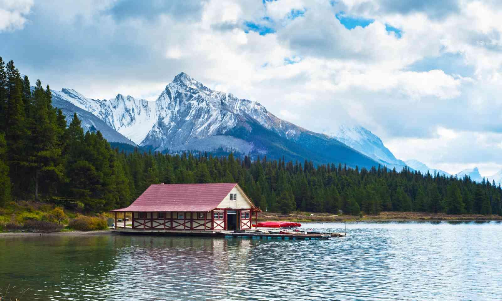 Maligne Lake, Jasper National Park (Shutterstock)