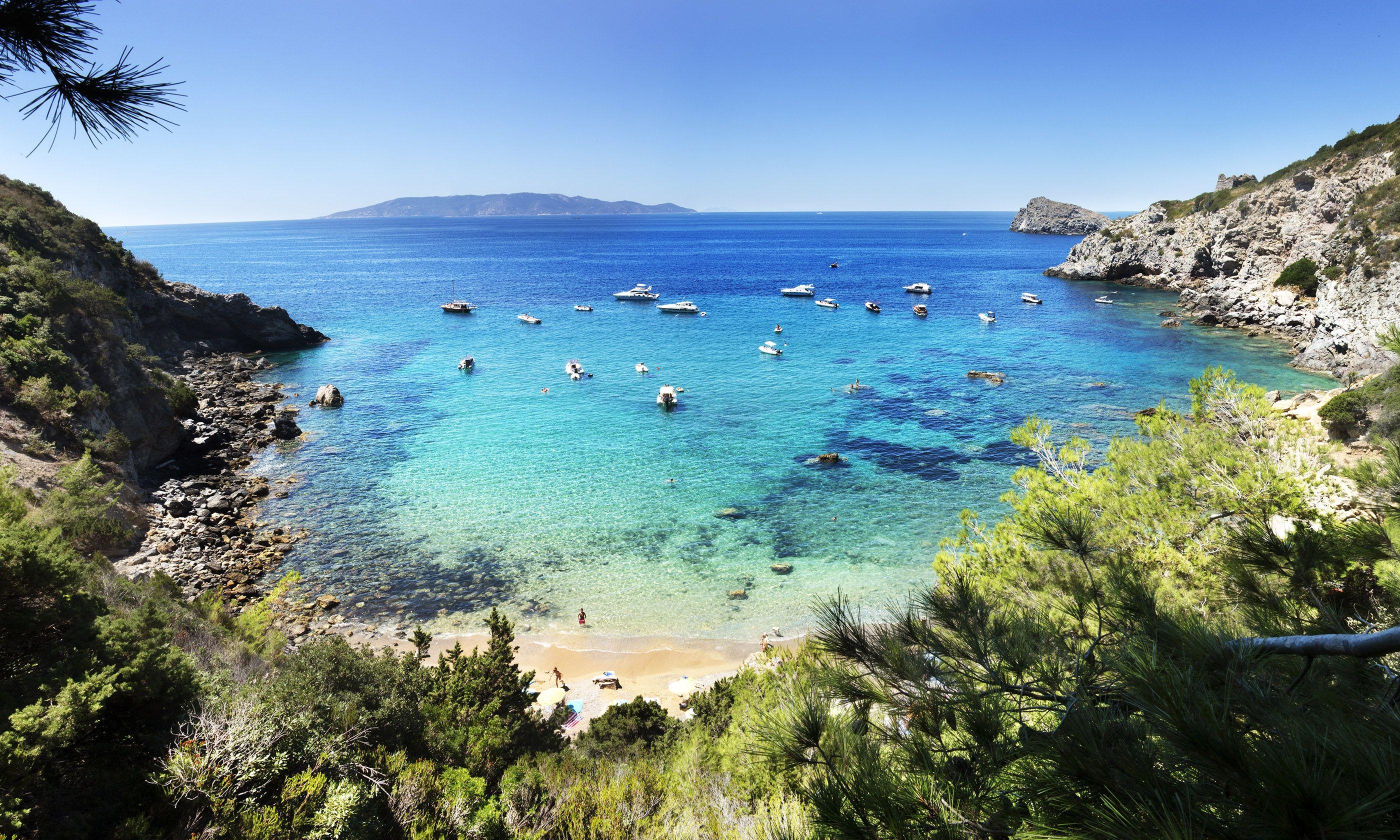 Croatian beach (Shutterstock.com)