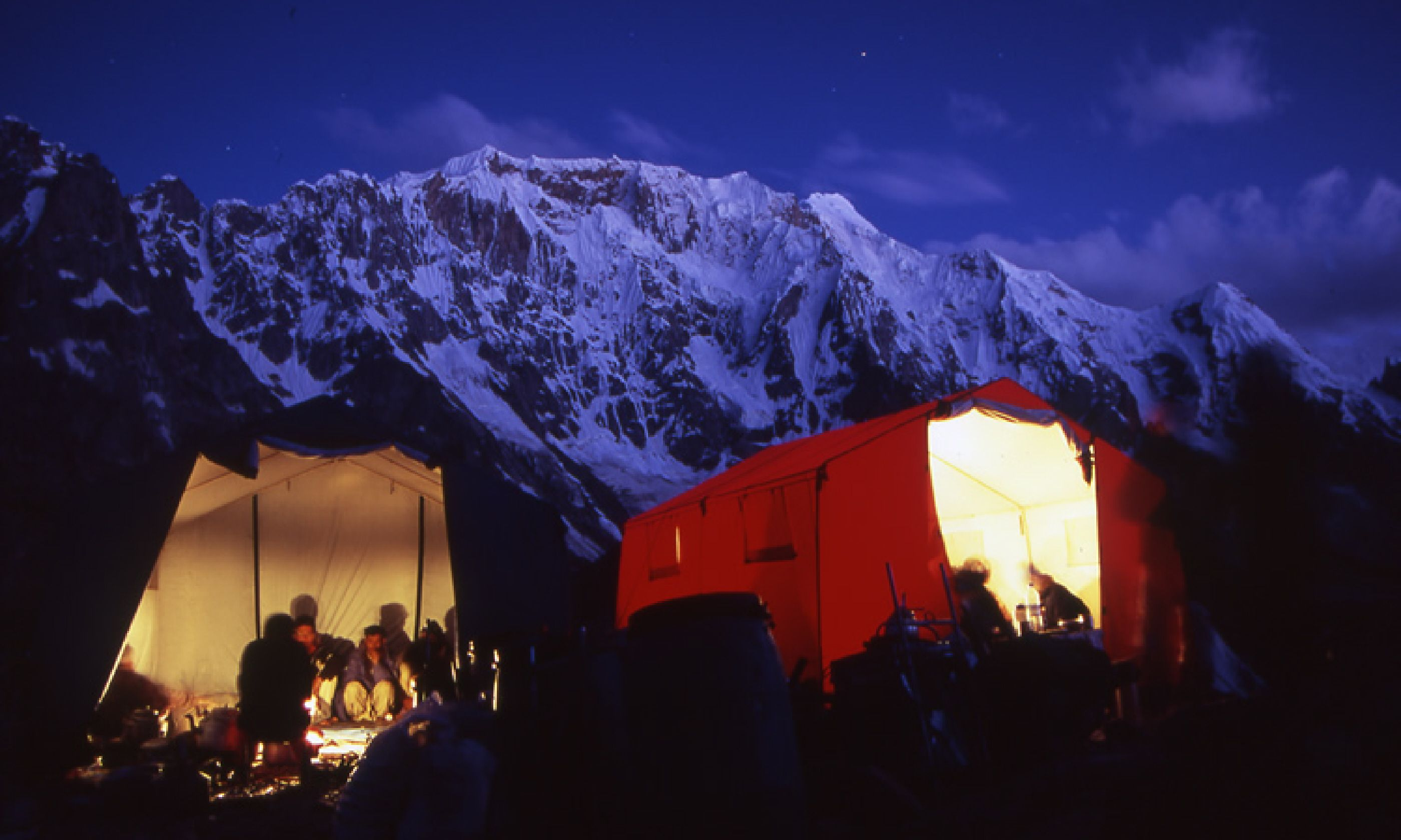 Camp at Gore II by night, (Photo: J Turner / Mountain Kingdoms)