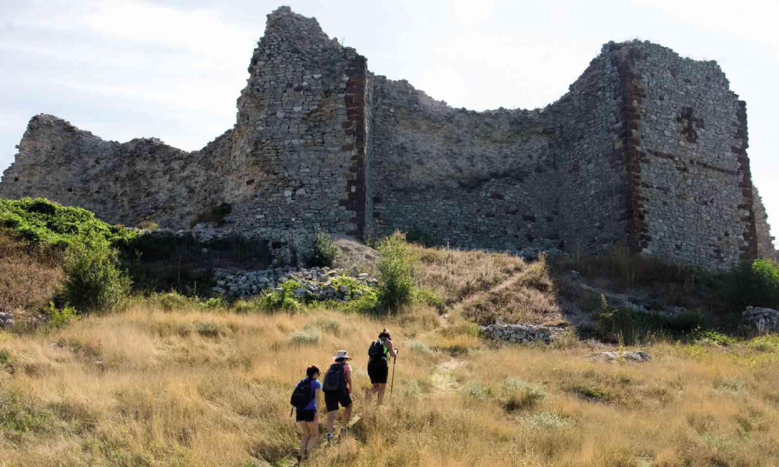Trekking to the 13th-century castle in Novoberd, Kosovo (Lyn Hughes)