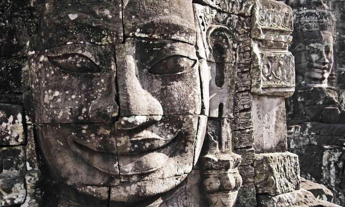 Stone face, Bayon Temple (Shutterstock)
