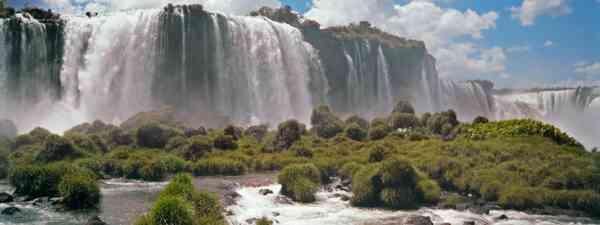 Iguazú Falls (Shutterstock: see main credit below)