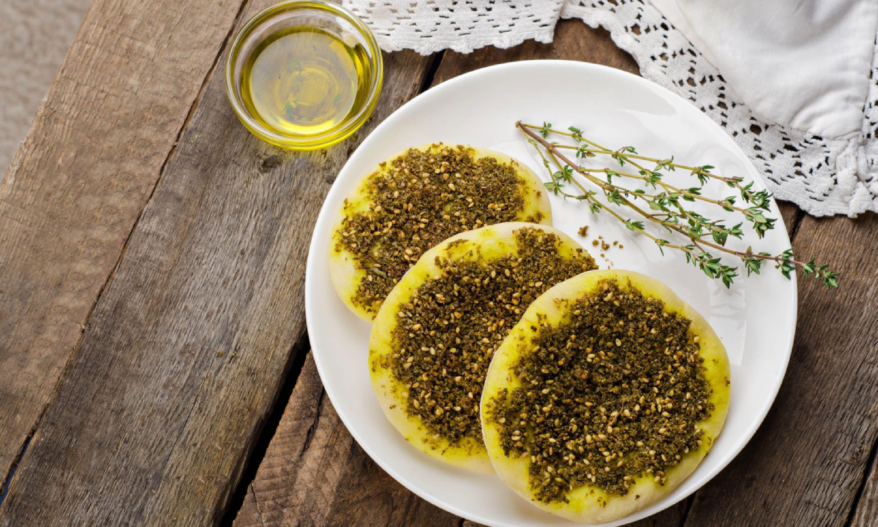 Lebanese man'oushé (Shutterstock)