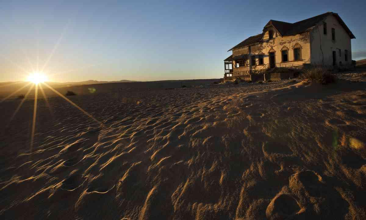 Abandoned house, Namibia (Shutterstock)