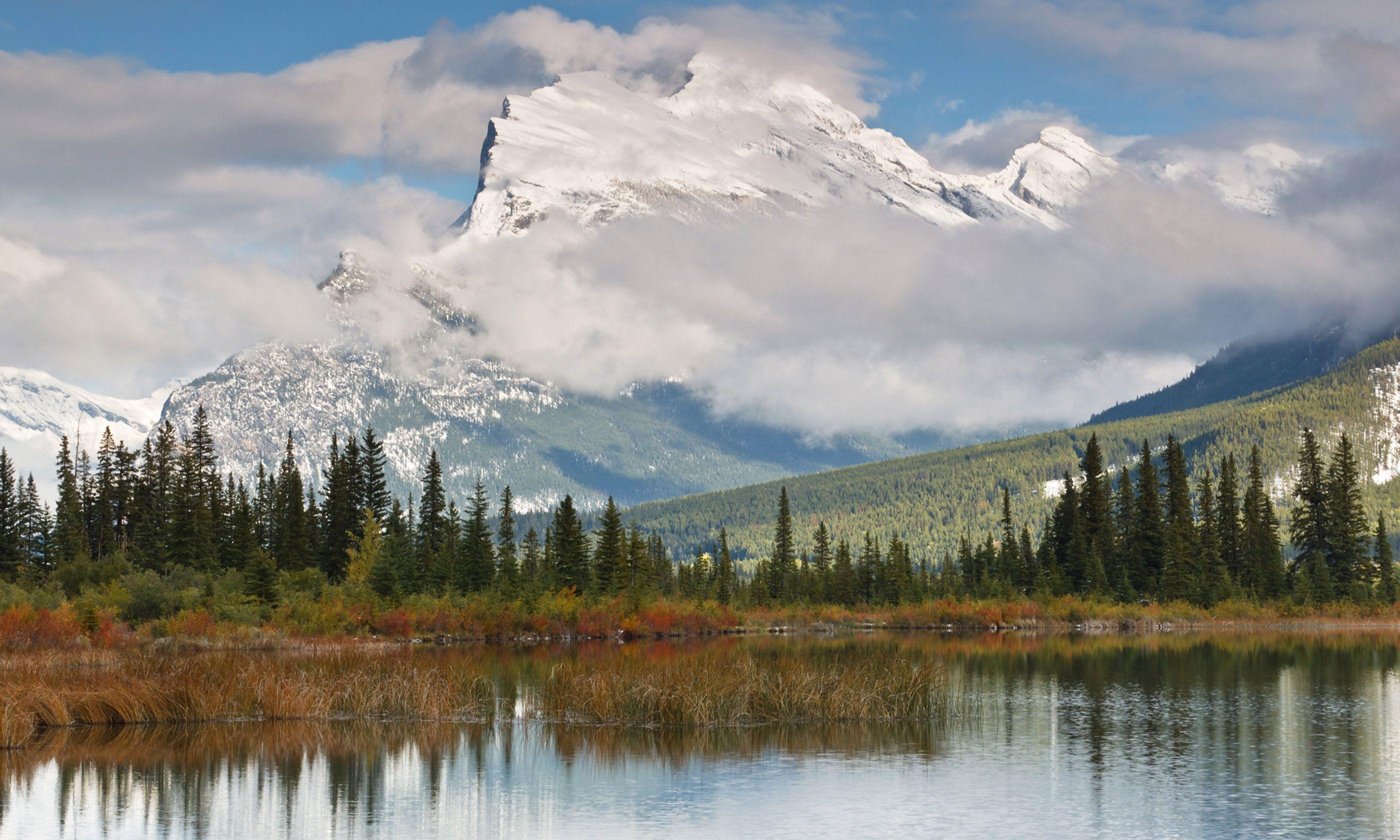 Banff National Park (Shutterstock.com)