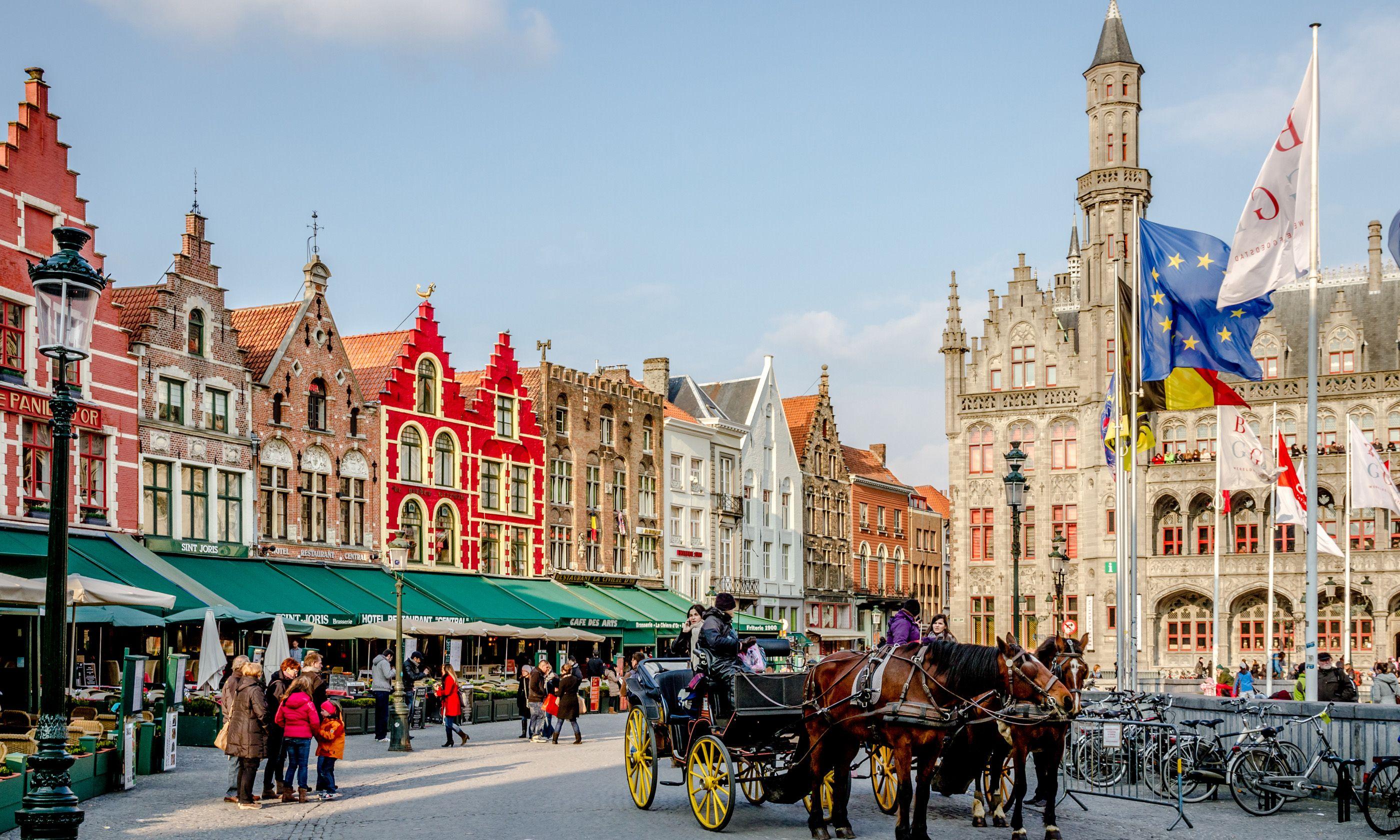 Bruges Square (Shutterstock.com)