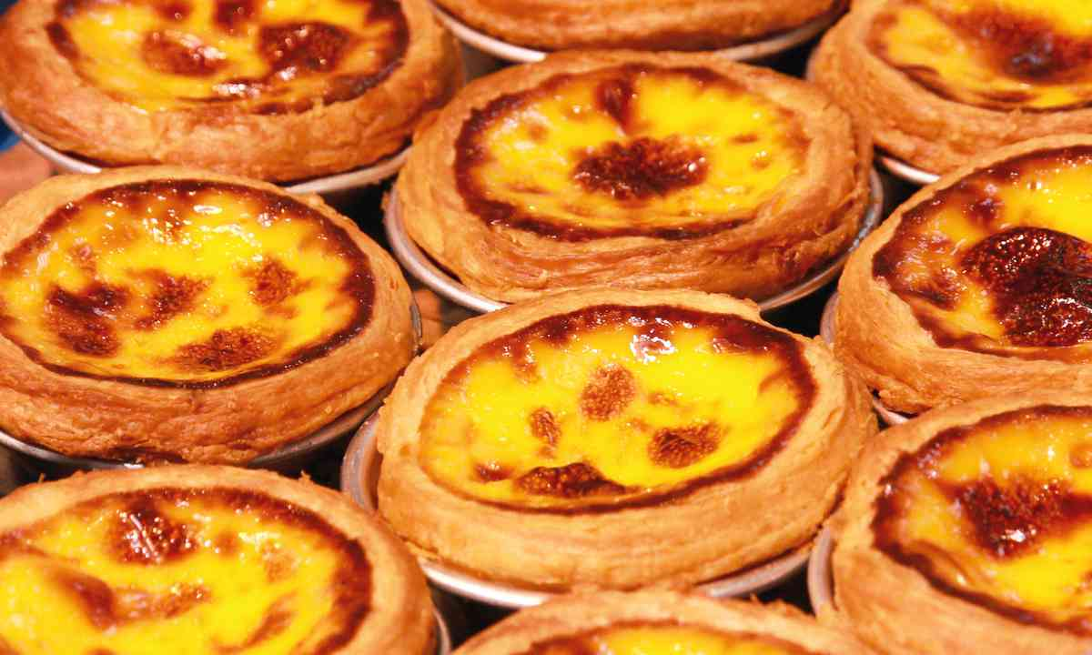 Portuguese tarts (Shutterstock.com)