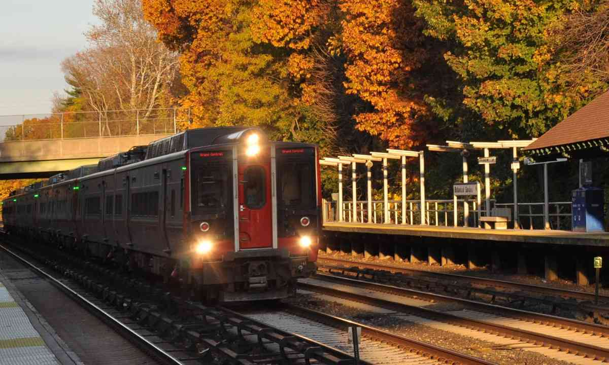 New York metro in the Fall (Julia Hammond)