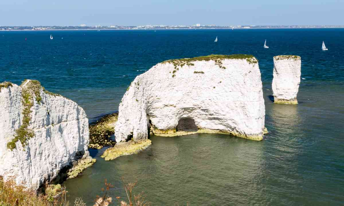 Old Harry Rocks (Shutterstock)