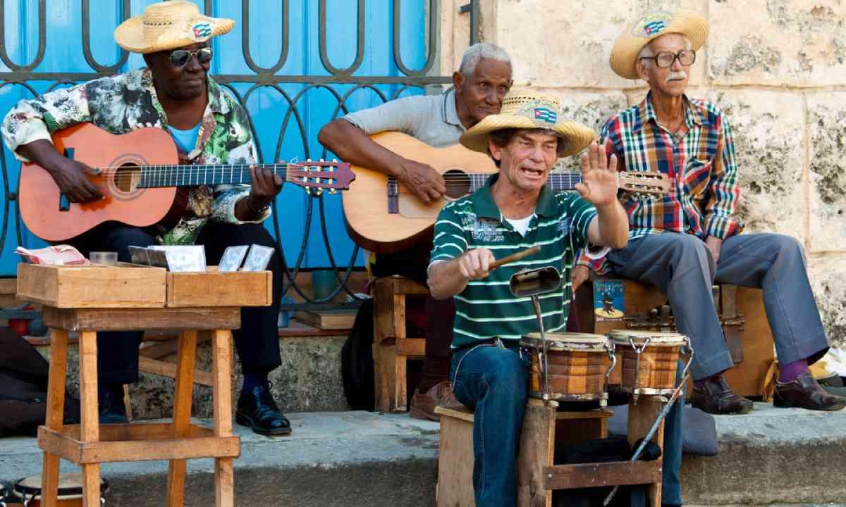 Street musicians in Havana (Shutterstock)