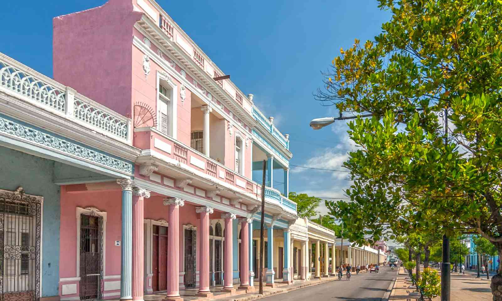 Traditional colonial style coloured buildings (Shutterstock)