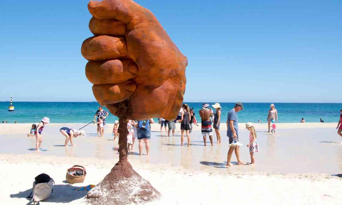 Aussie beach art (Dreamstime)