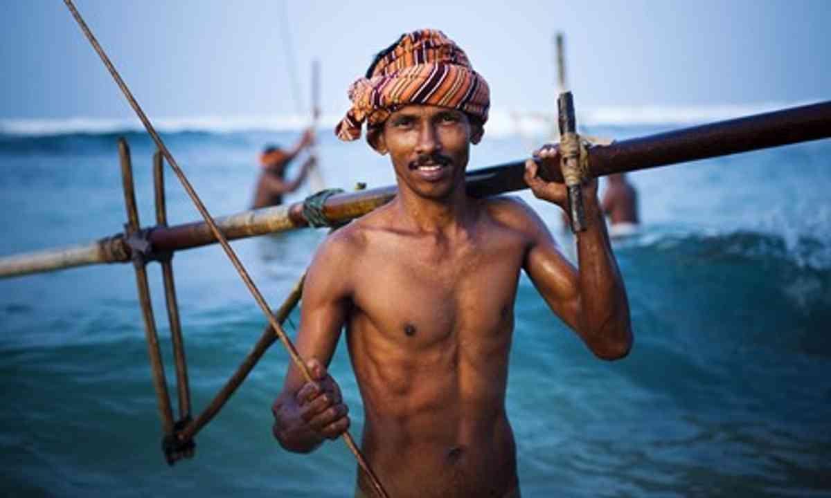 Smiling Sri Lankan fisherman (Shutterstock.com)