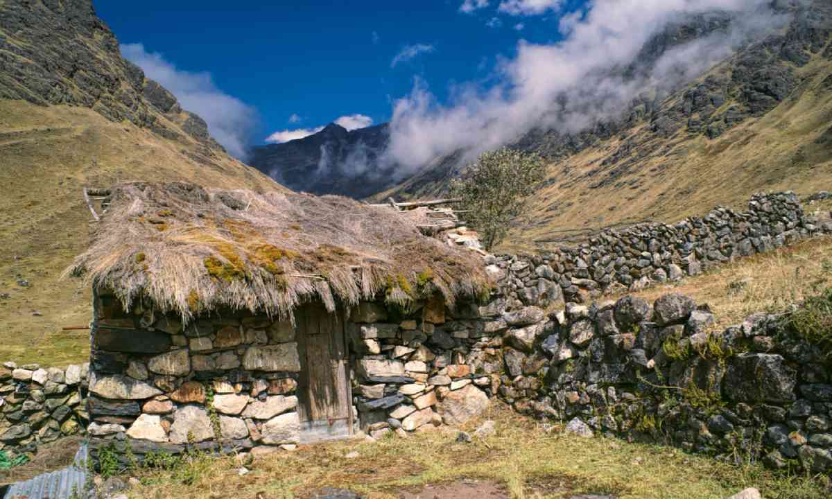 Traditional old stone hut in Andes mountains in Bolivia (Shutterstock)