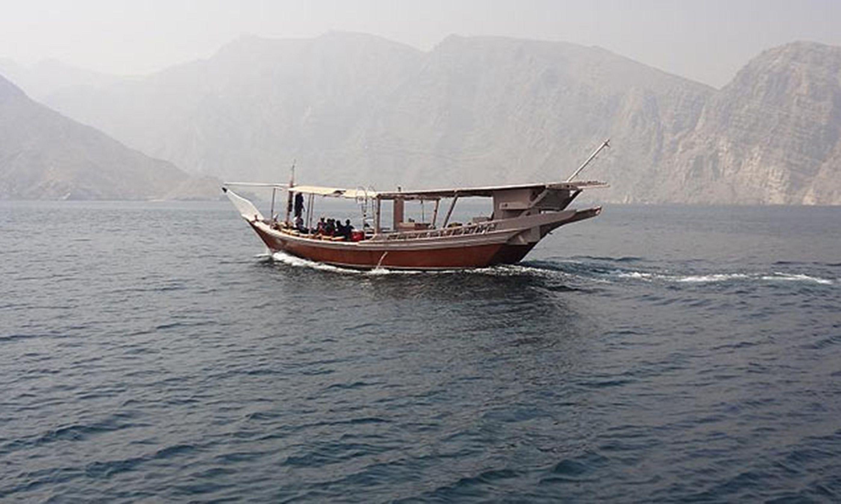 Ras Musandam Fjords (Joāo Leitão)