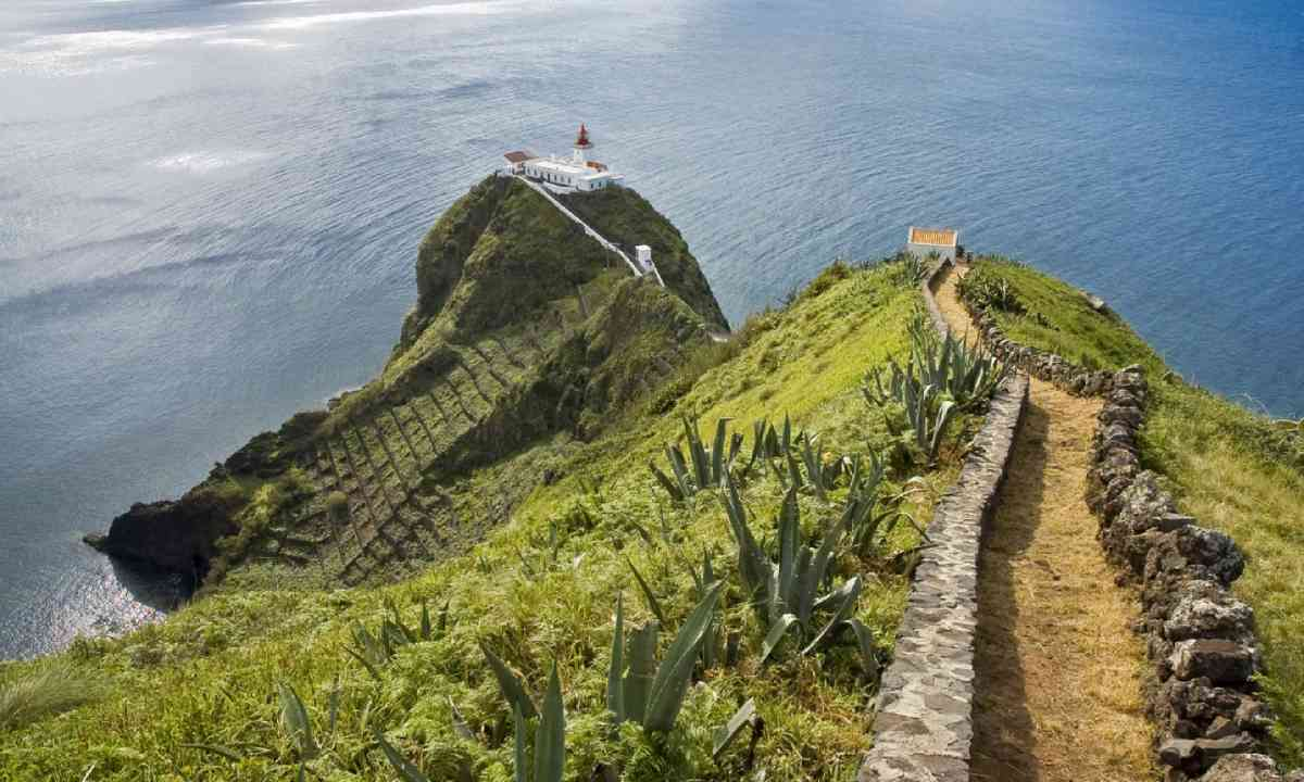 Lighthouse at Santa Maria Island (Shutterstock)