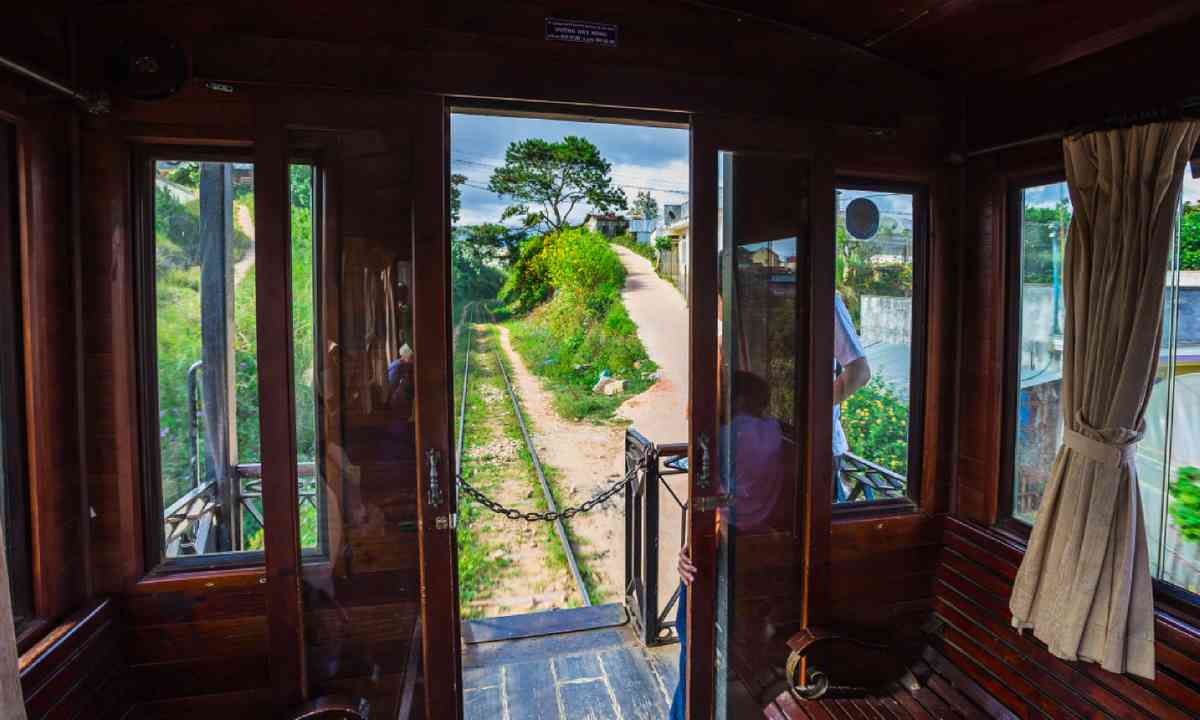 Train in Dalat, Vietnam (Shutterstock)