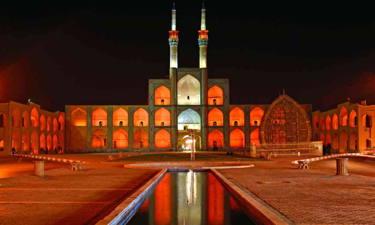 Amir Chakhmaq Complex (Shutterstock)