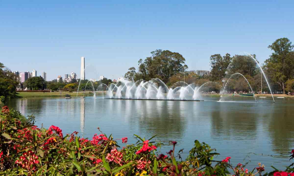 Fountain at Ibirapuera Park (Shutterstock)