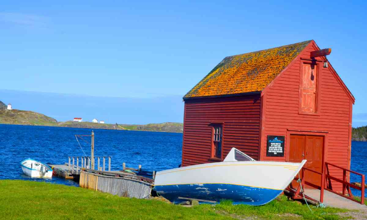 Fisherman house in Newfoundland (Shutterstock)