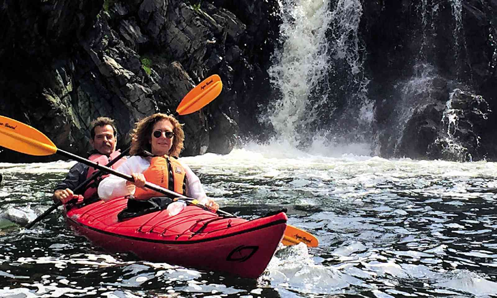 Kayaking in Newfoundland (Simon Chubb)