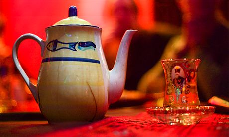 Afghan Tea in London (Alastair Humpheys)
