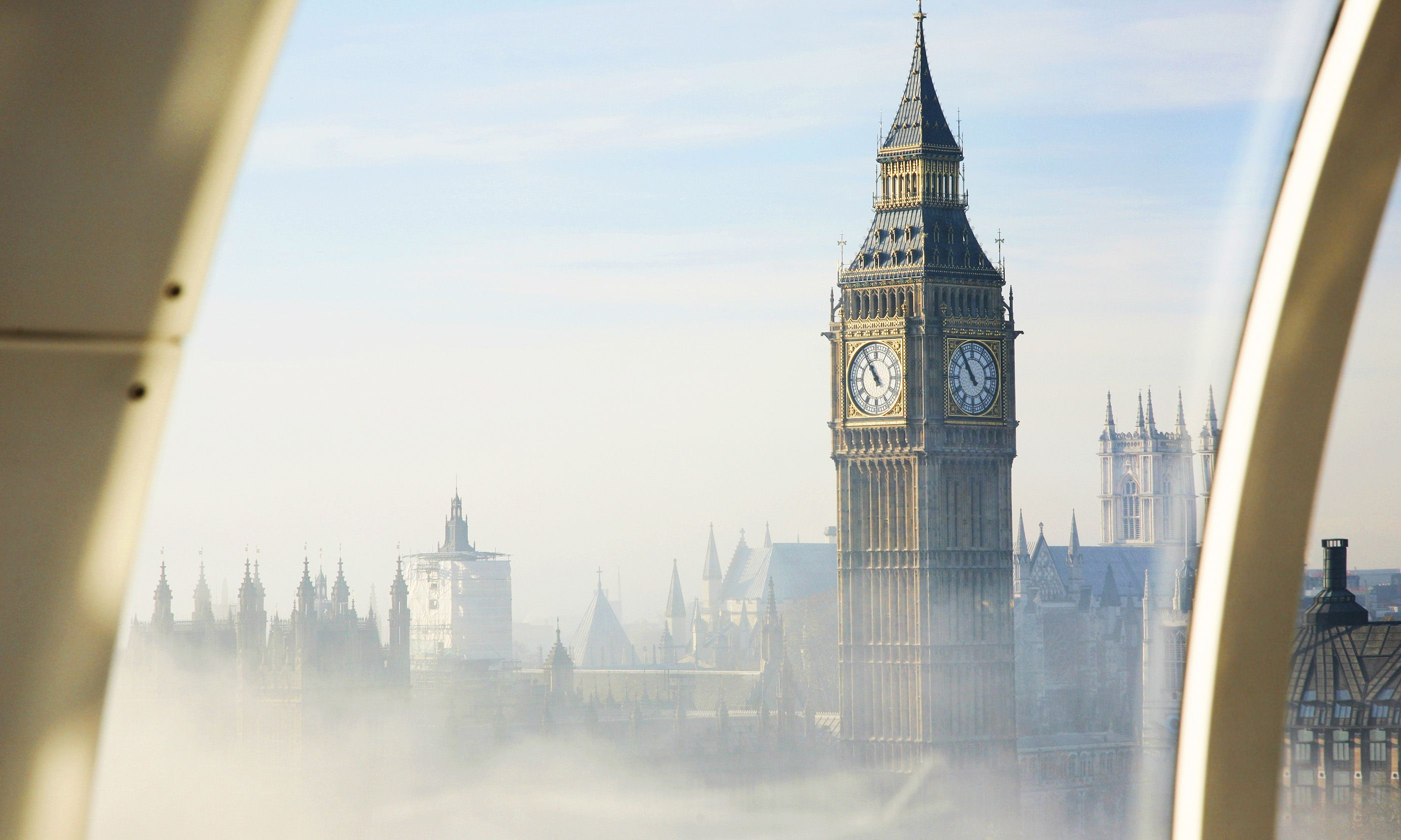 Big Ben in fog (Shutterstock.com)