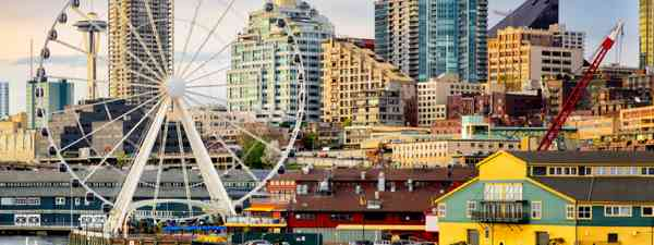 Seattle waterfront and skyline (Shutterstock)