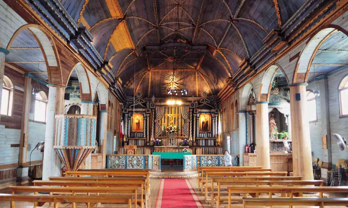 Tenaún church (Simon Hayes/Tierra Chiloé)