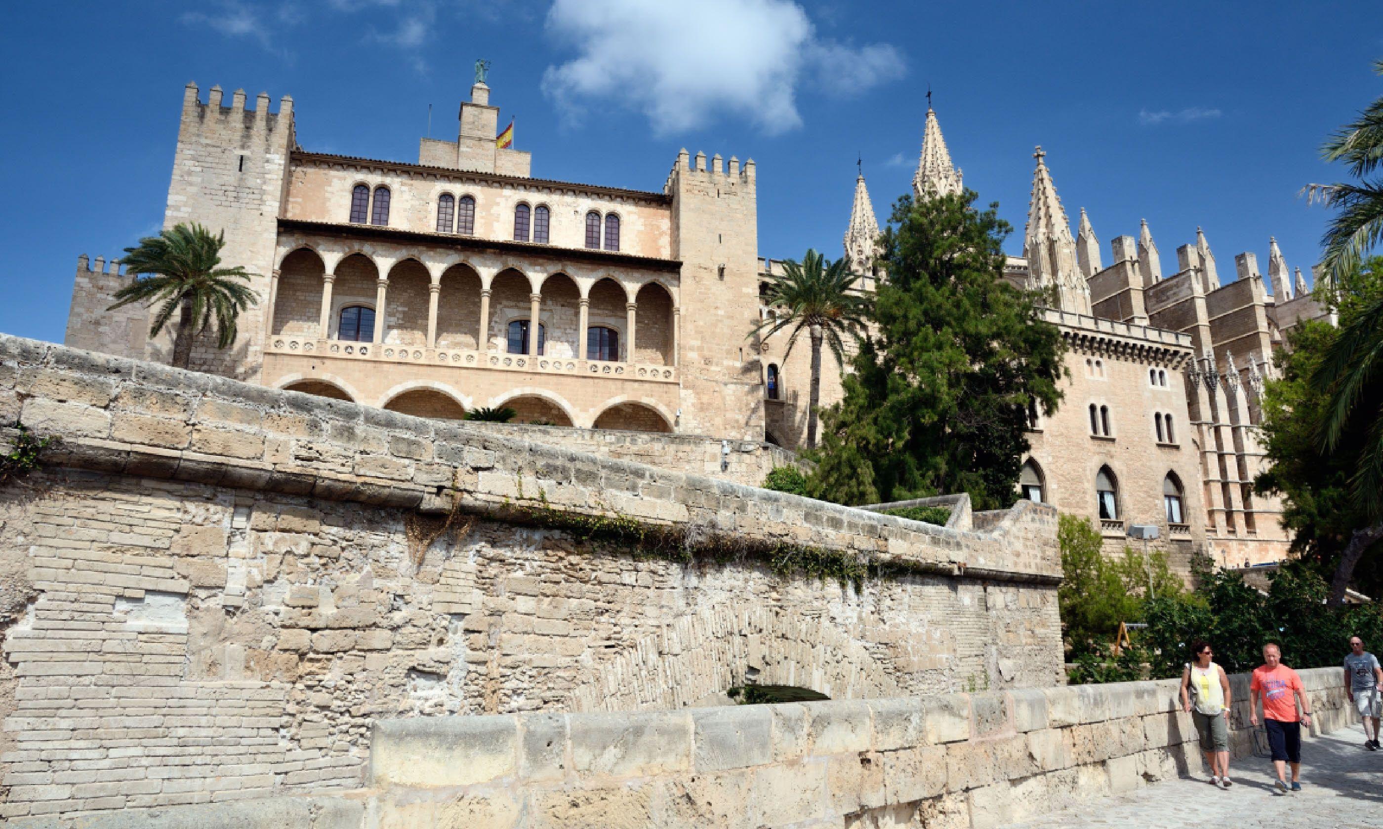 La Almudaina Palace (Dreamstime)