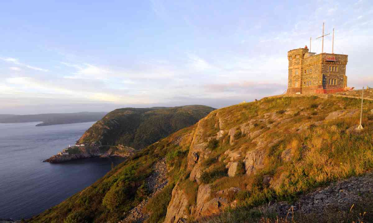 Sunrise at Signal Hill (Shutterstock)