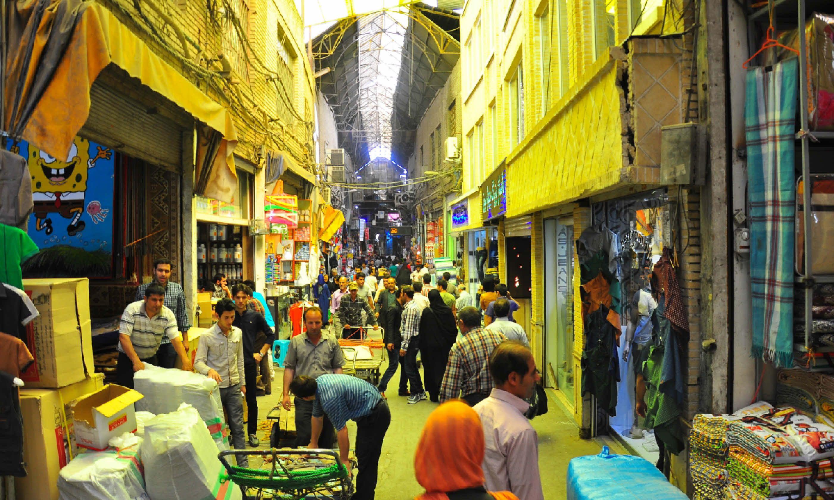 A busy bazaar in Tehran (Dreamstime)