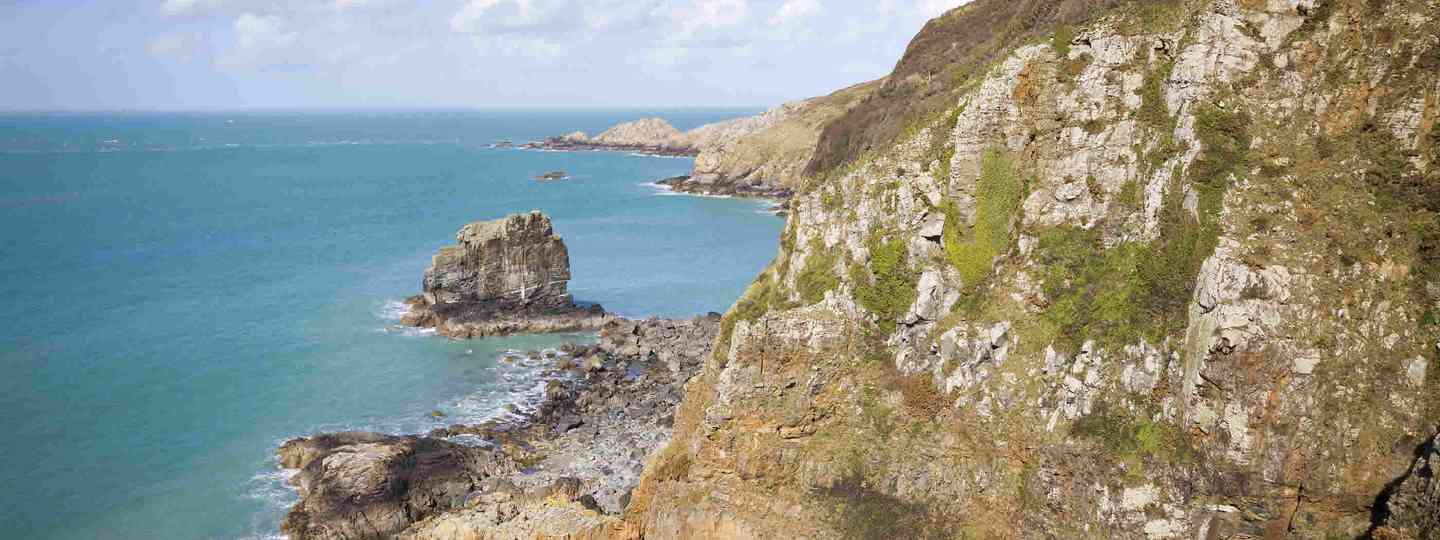 Coastal scene on Sark looking out over English Channel (Dreamstime)