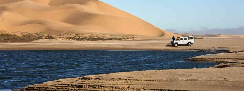 Driving in the Namib Desert (Dreamstime)