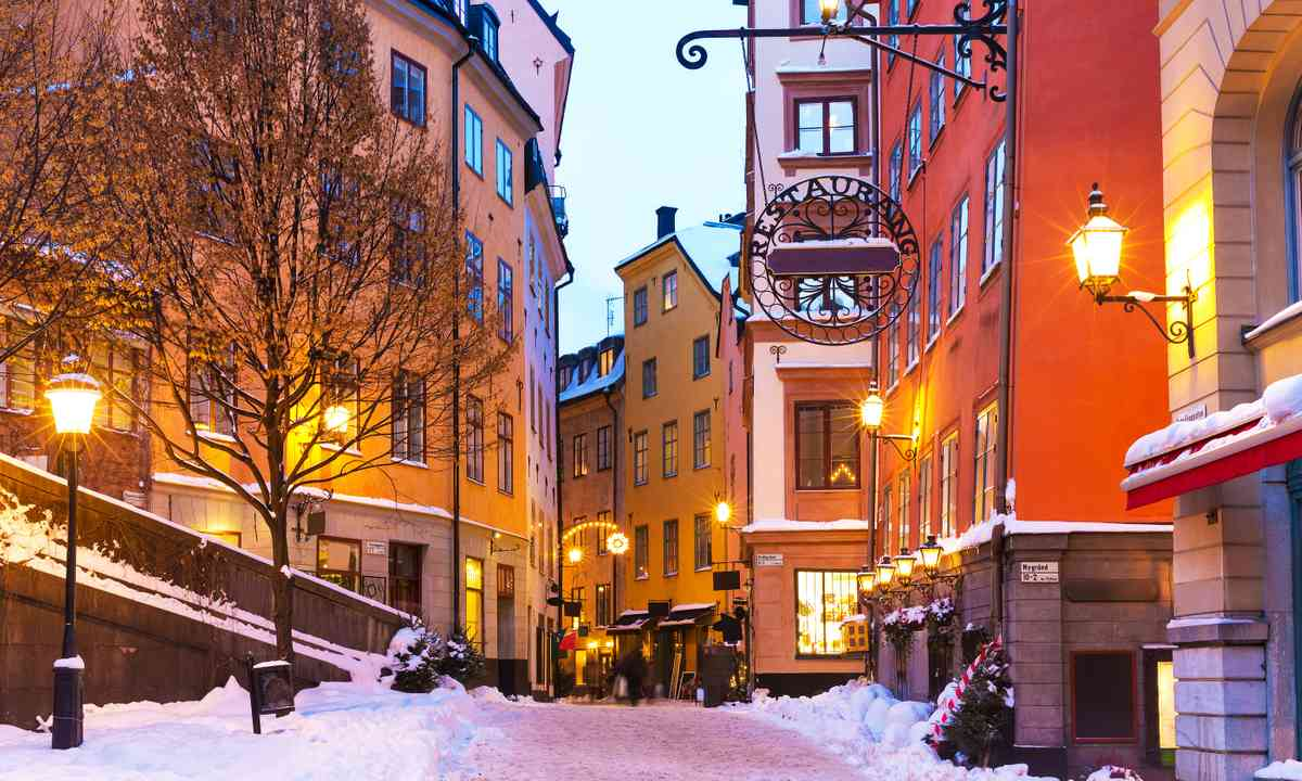 Gamla Stan in winter (Shutterstock.com)