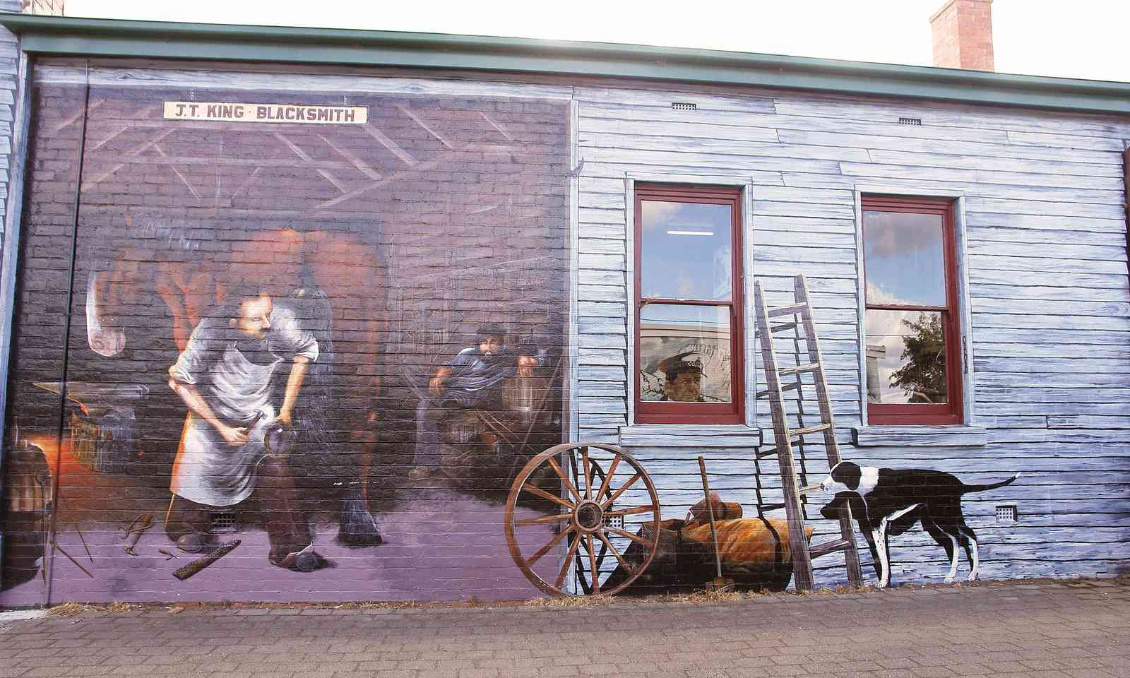 Sheffield, Tasmania (Cradle Mountain Tourist Board)